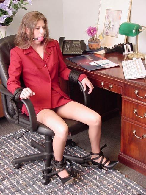 Порно галерея секретарши
