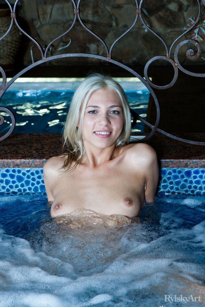 В бассейне - Фото галерея 1081138