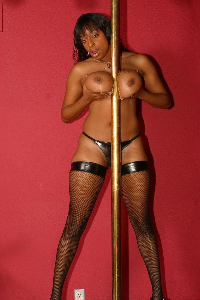 Стриптиз - Порно фото галерея 458264