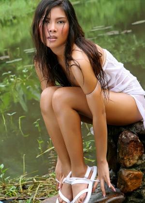 Порно про волосатую пизду в лесу