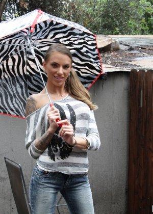 bolshie-diri-zhenskie-porno-anal-vzrosliy-muzhchina-fotografii