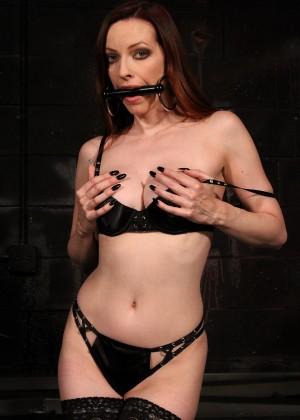 Фото порно сексмашина галерея