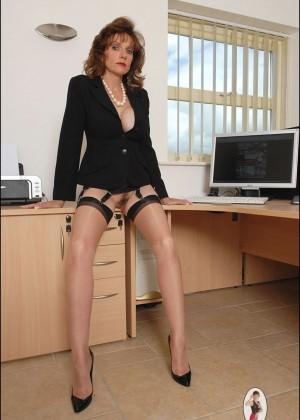 Секретарши подсмотренные эротические фото — photo 9