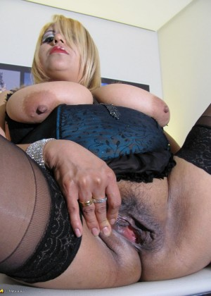 Diana free mature porn post photo 542