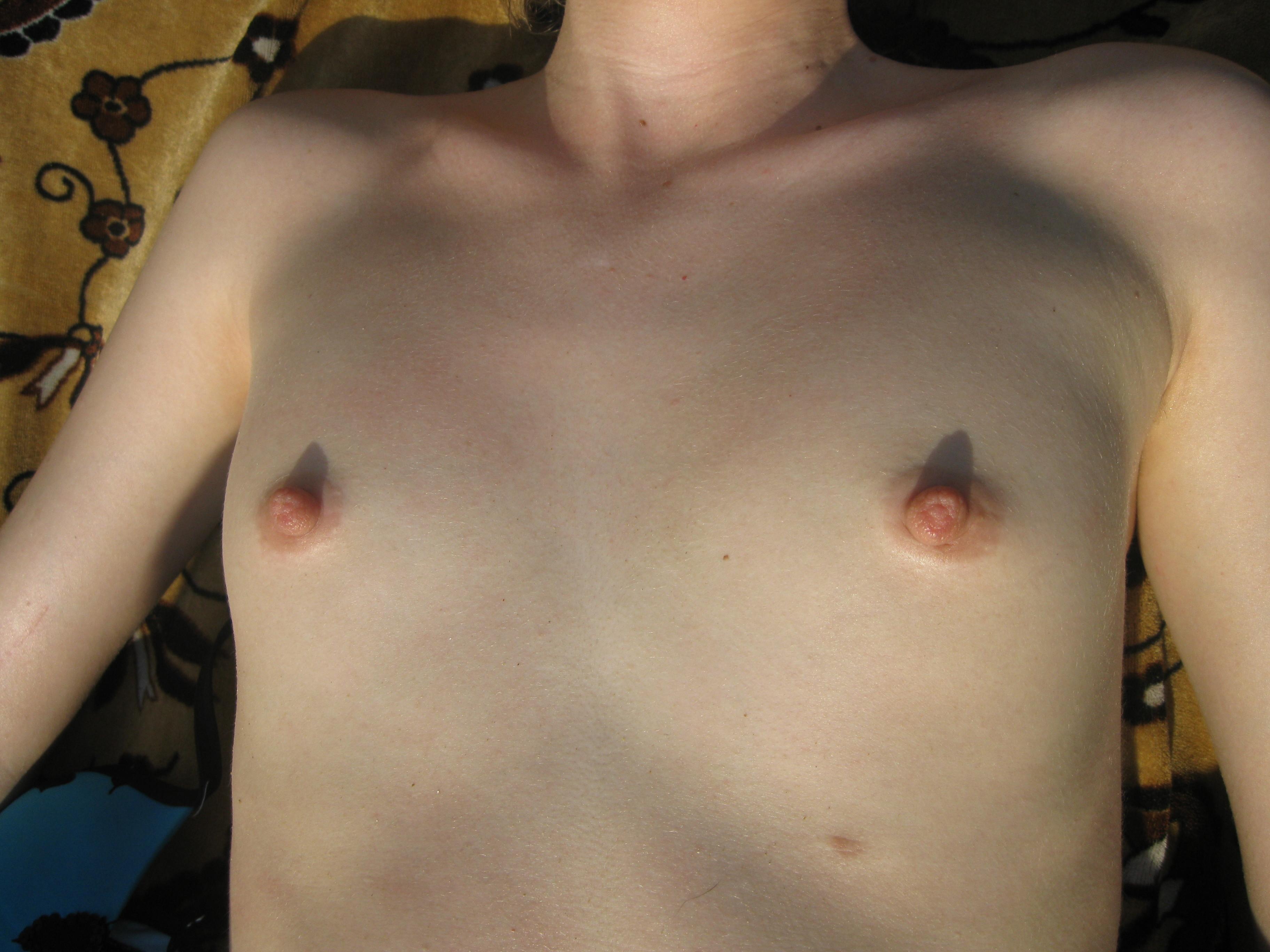 С очень очень маленькой грудью, Порно маленькие сиськи. Маленькая грудь видео онлайн 11 фотография