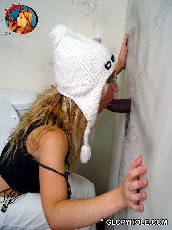 В туалете - Порно фото галерея 846148