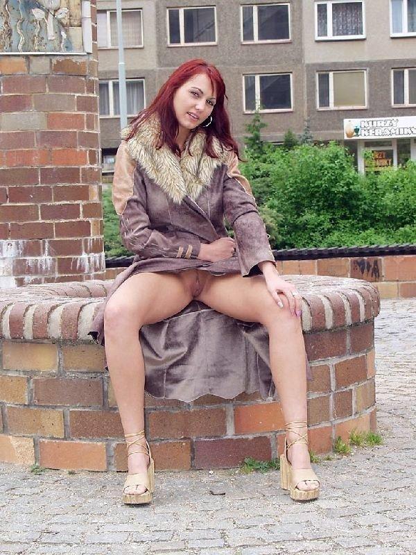 Молодые девахи под юбкой арабок огромный