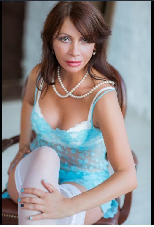 Очаровательная русская зрелка