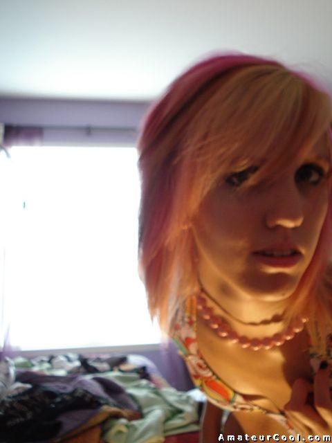 Шотландская девушка Эмо