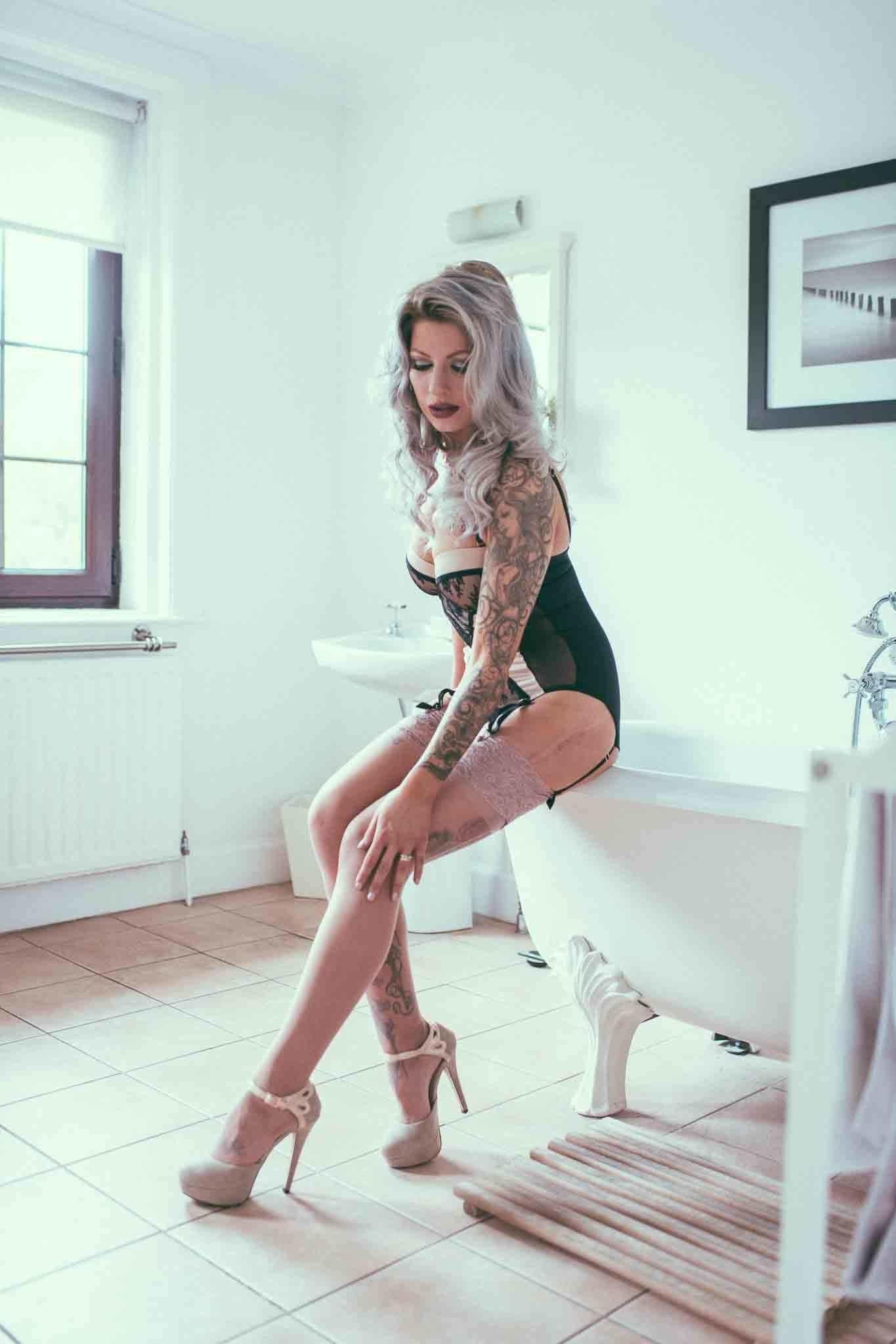 Татуированная модель из Шотландии