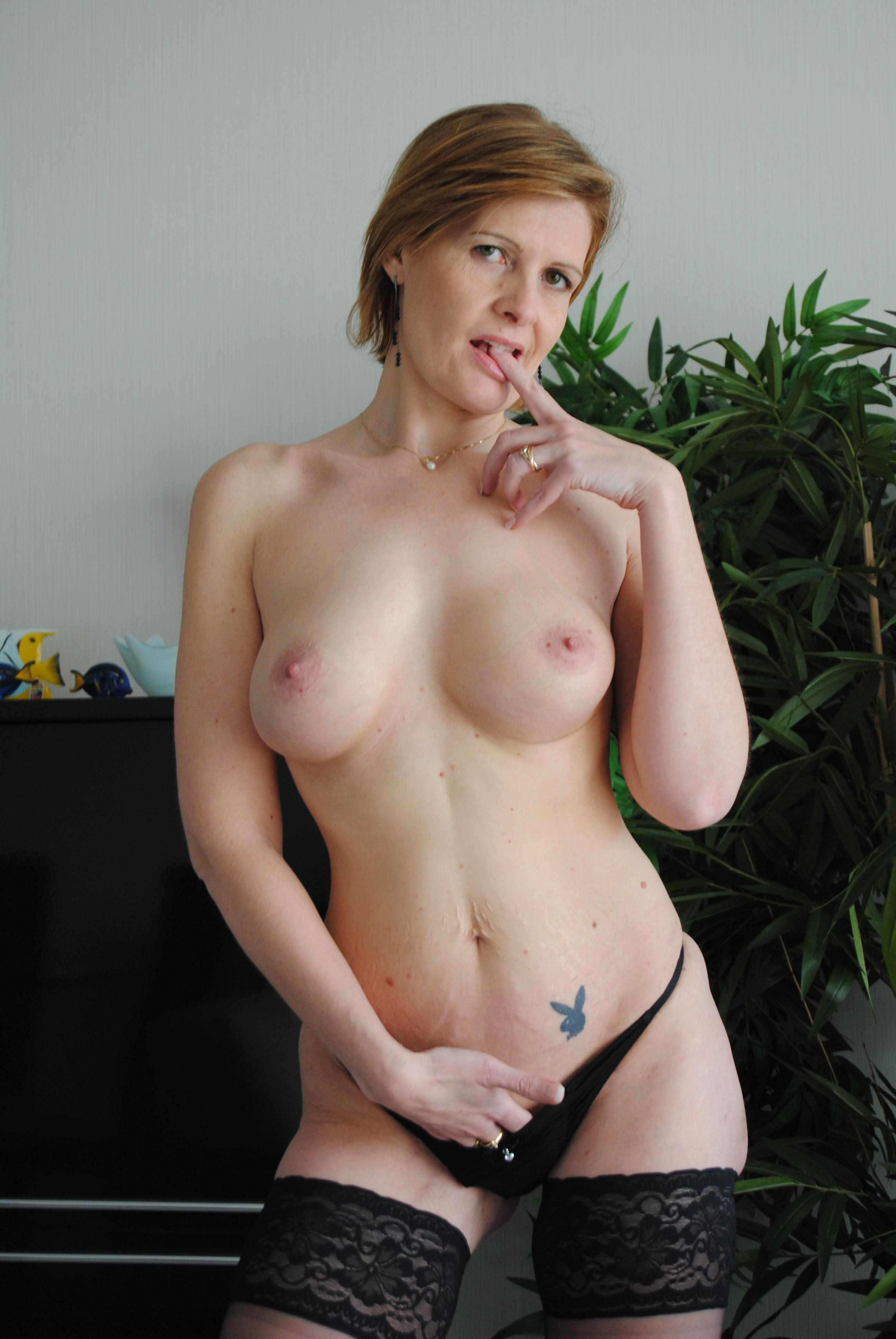 Французская красивая порнозвезда