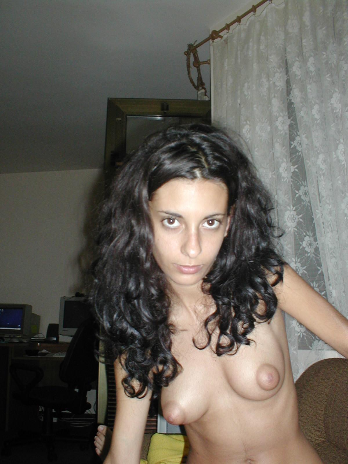 Порно фото стройной итальянки Джулии