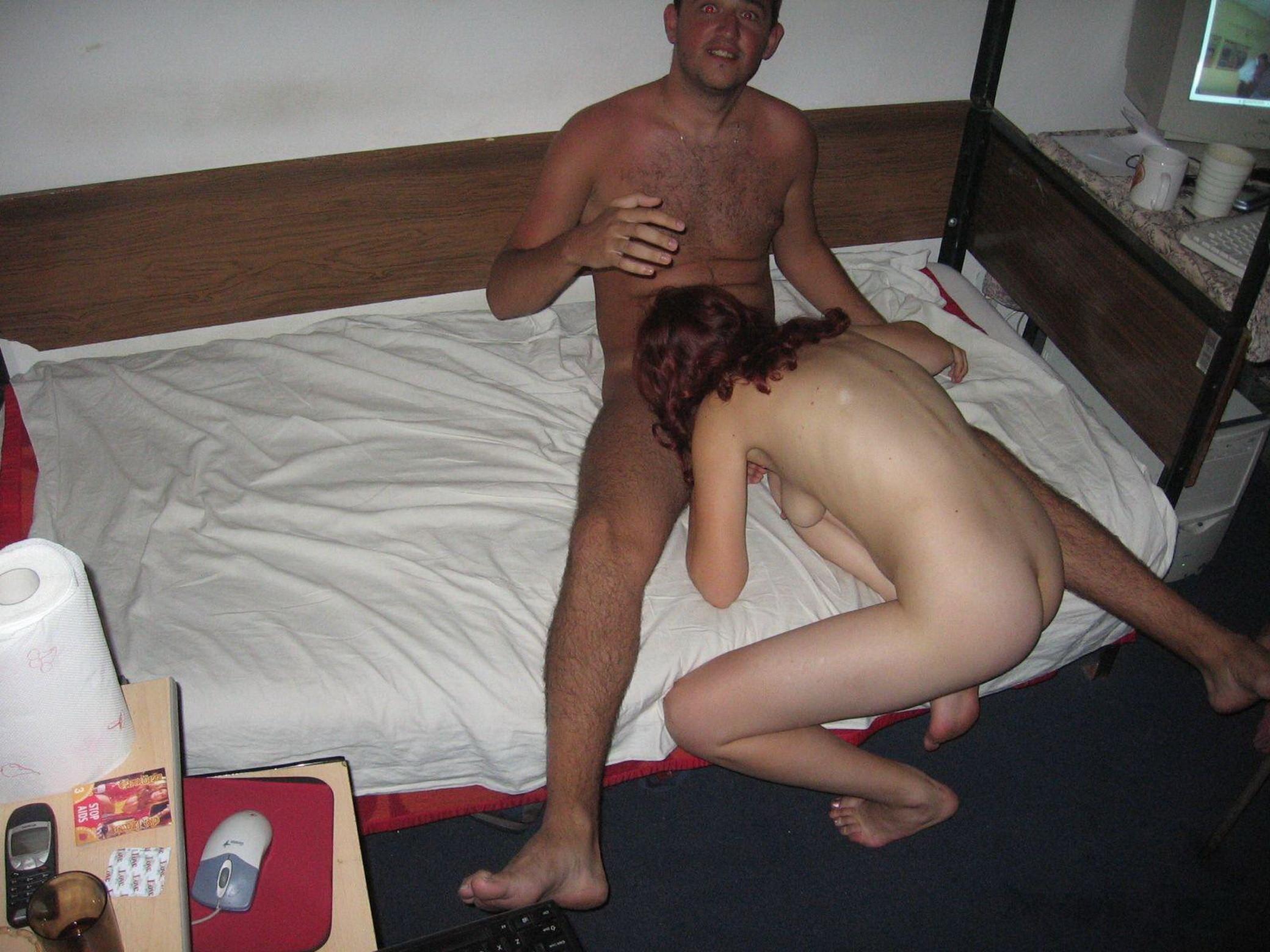 Двое парней трахнули украинскую проститутку в отеле