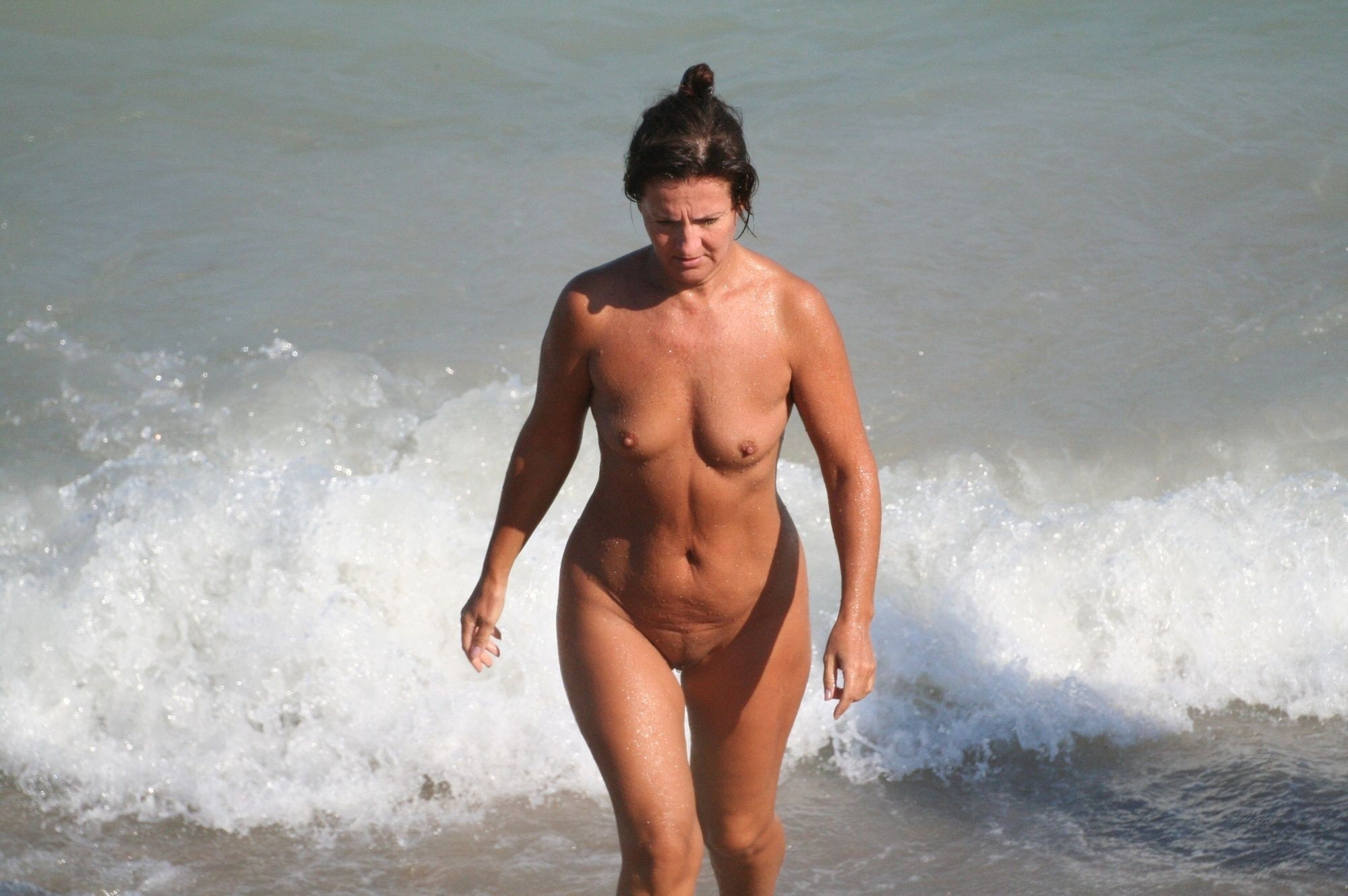 Это встал на нудистском пляже правы