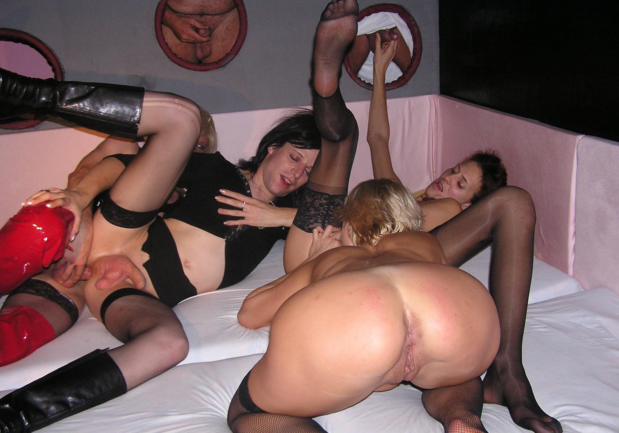 Свинг порно би, Порно бисексуалы свингеры - 33 видео. Смотреть 16 фотография