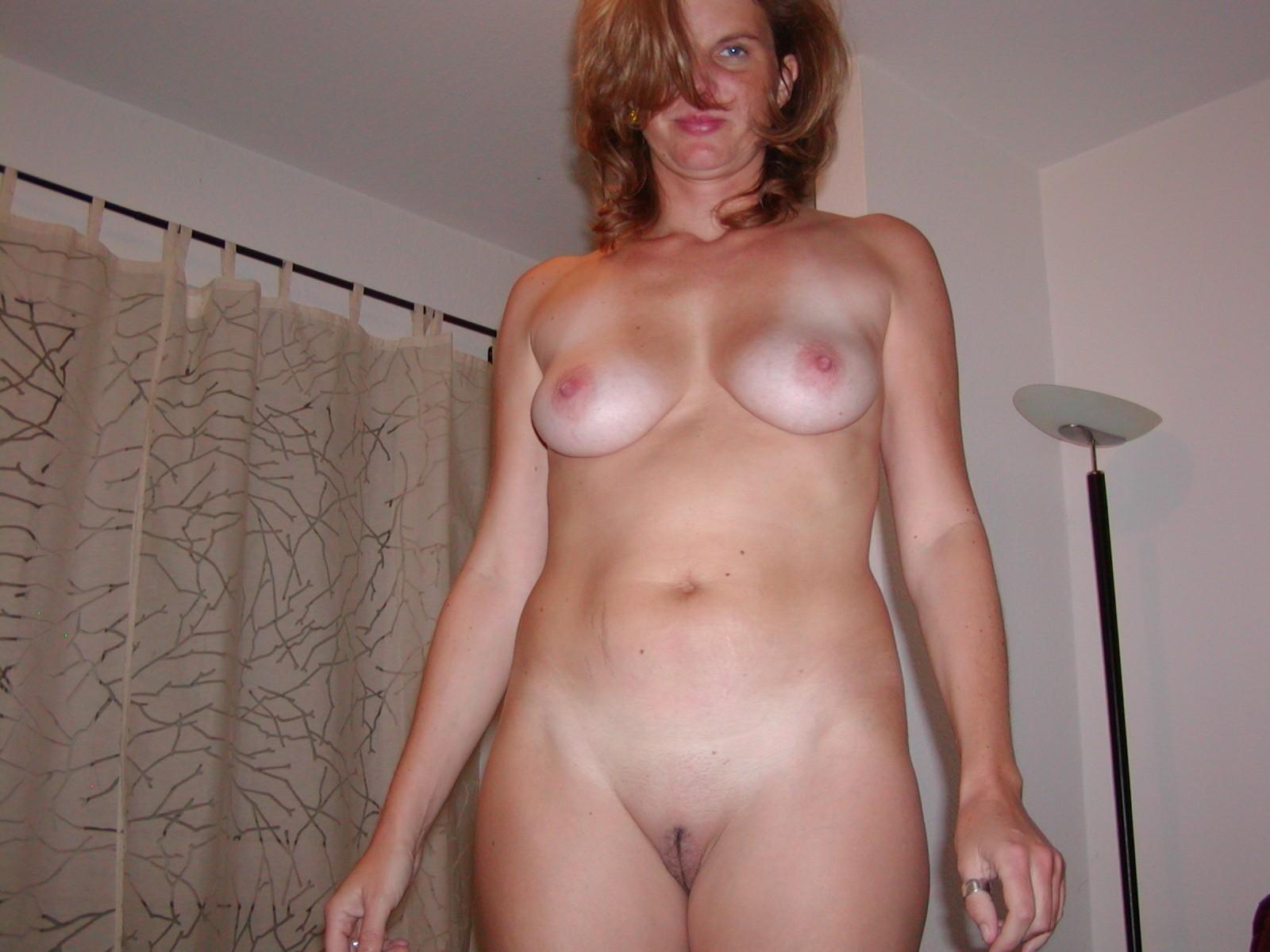 Фото из частного альбома голой женщины, Фотографии Домашний интим, частная эротика и порно 12 фотография