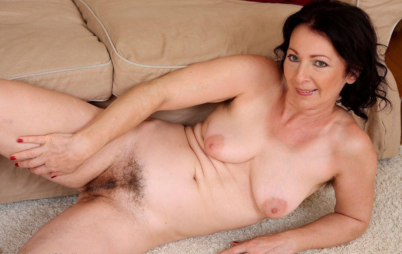 Фото зрелые волосатые сучки, Фото голых баб с волосатой пиздой 7 фотография