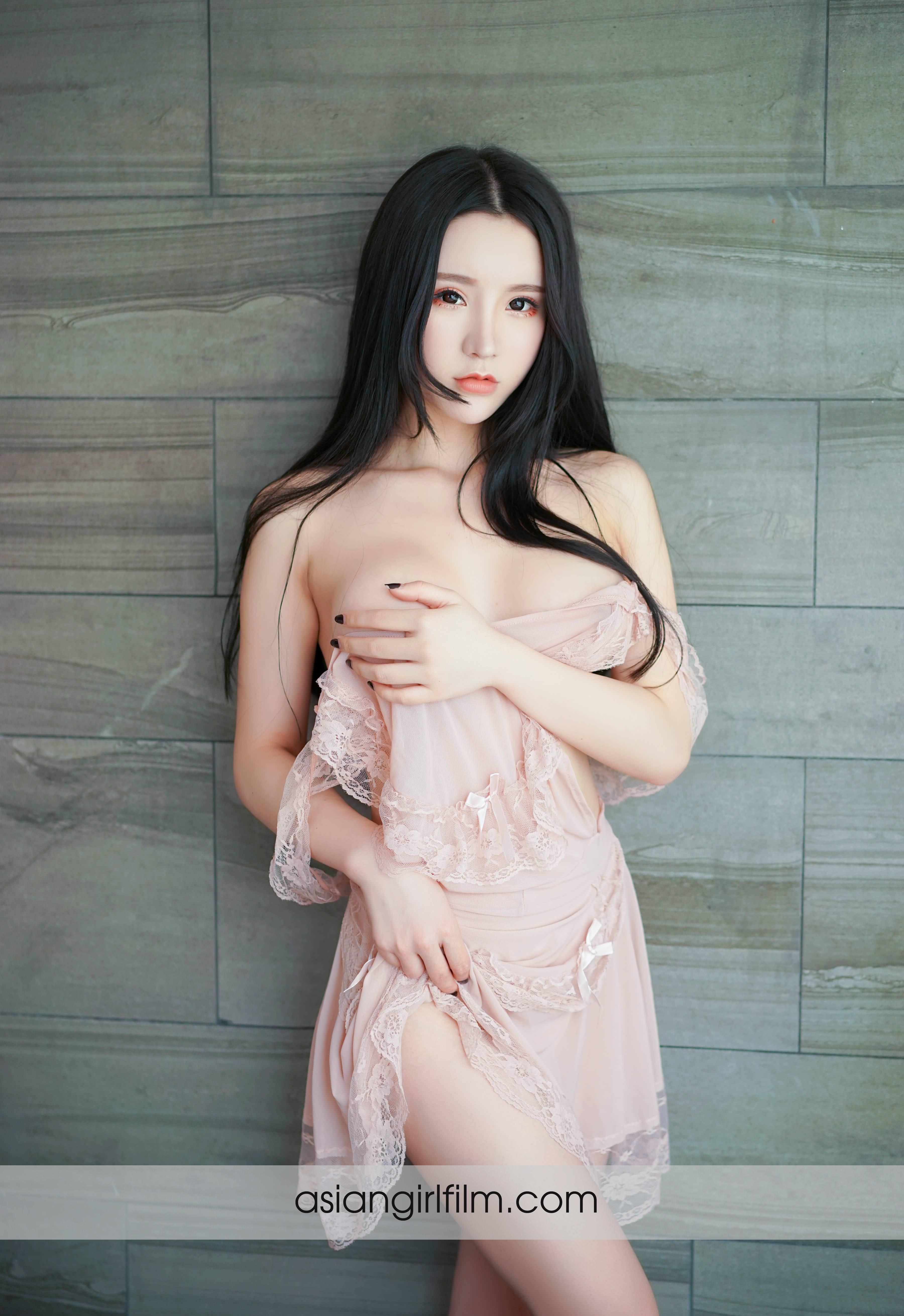 Рот порно грудастая китаянка онлайн порно