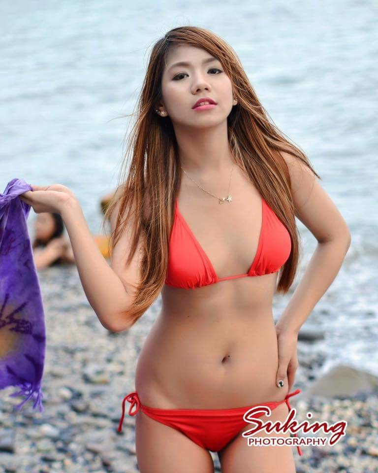 Филиппинская модель Cha Maximiano в бикини