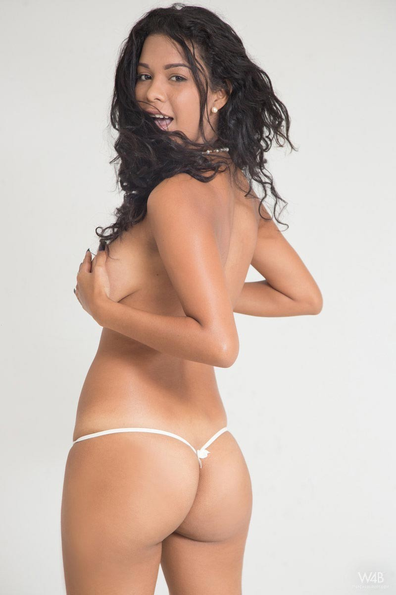 Фото колумбийских моделей с большими задницами