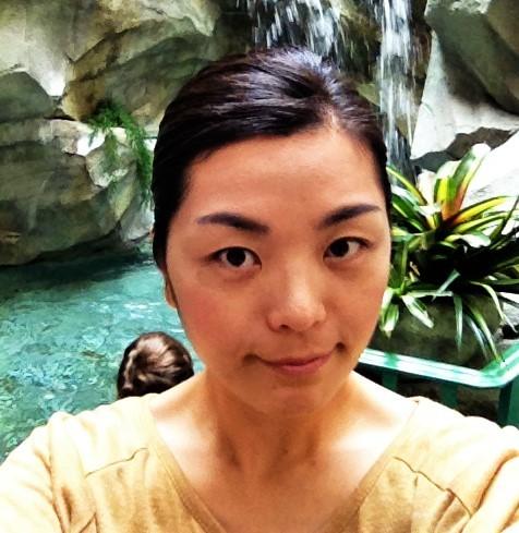 Кореянка засветила небольшую грудь с маленькими сосками