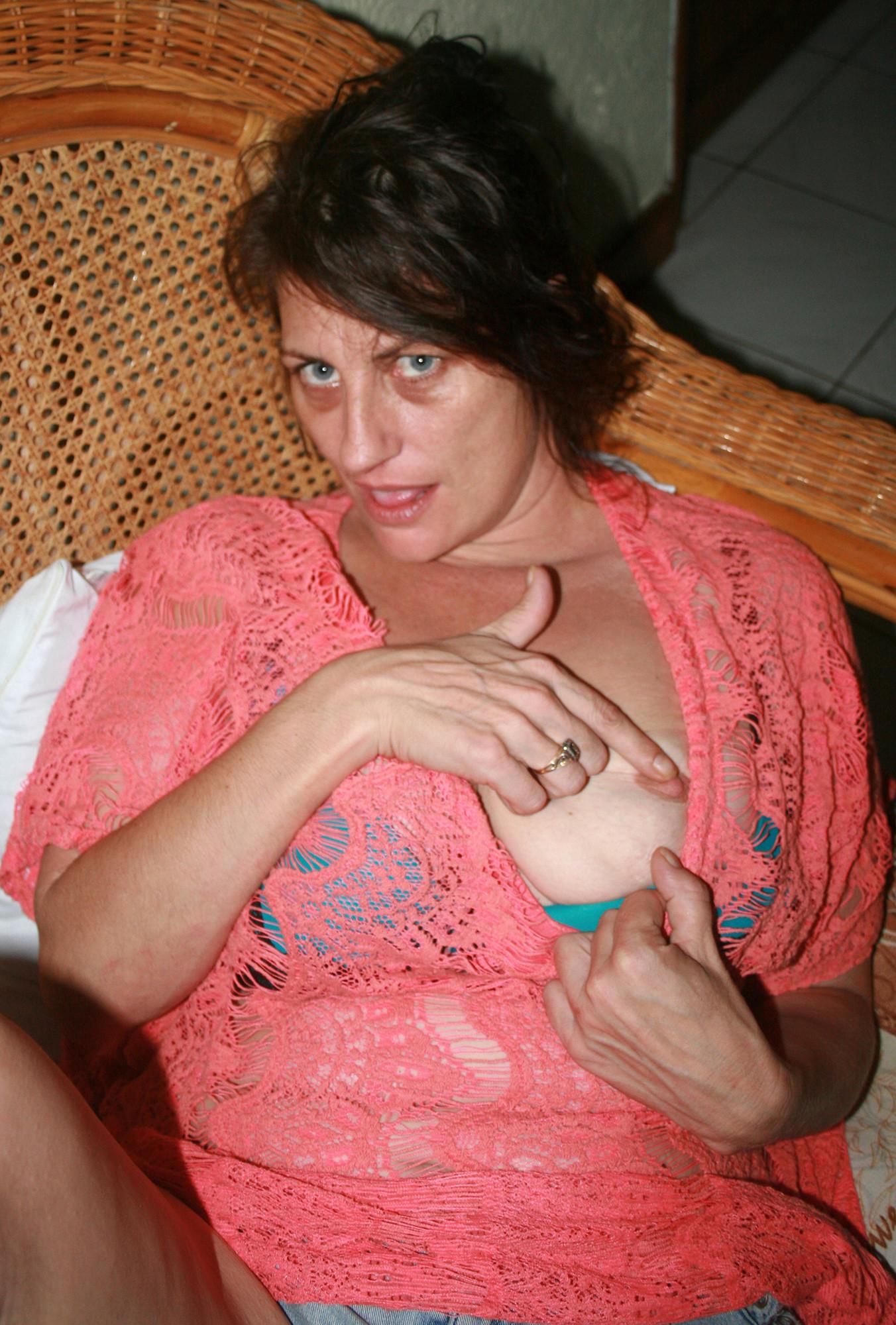 42-летняя австралийка сходит с ума без секса