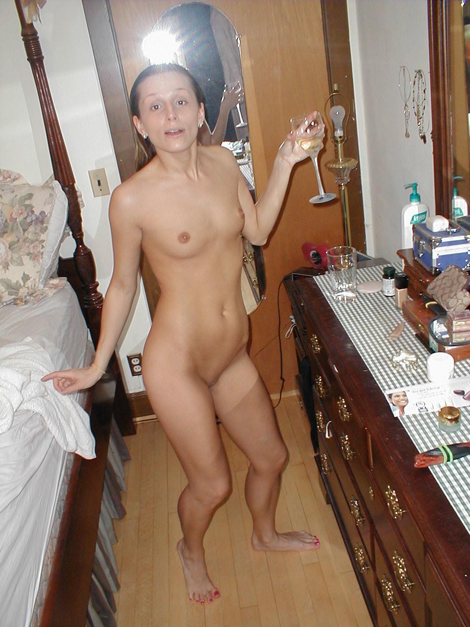 Джулия из Флориды позирует голая