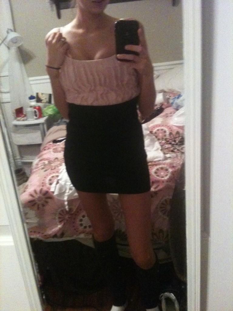 Селфи Кейтлин из Джорджии в платьях и без