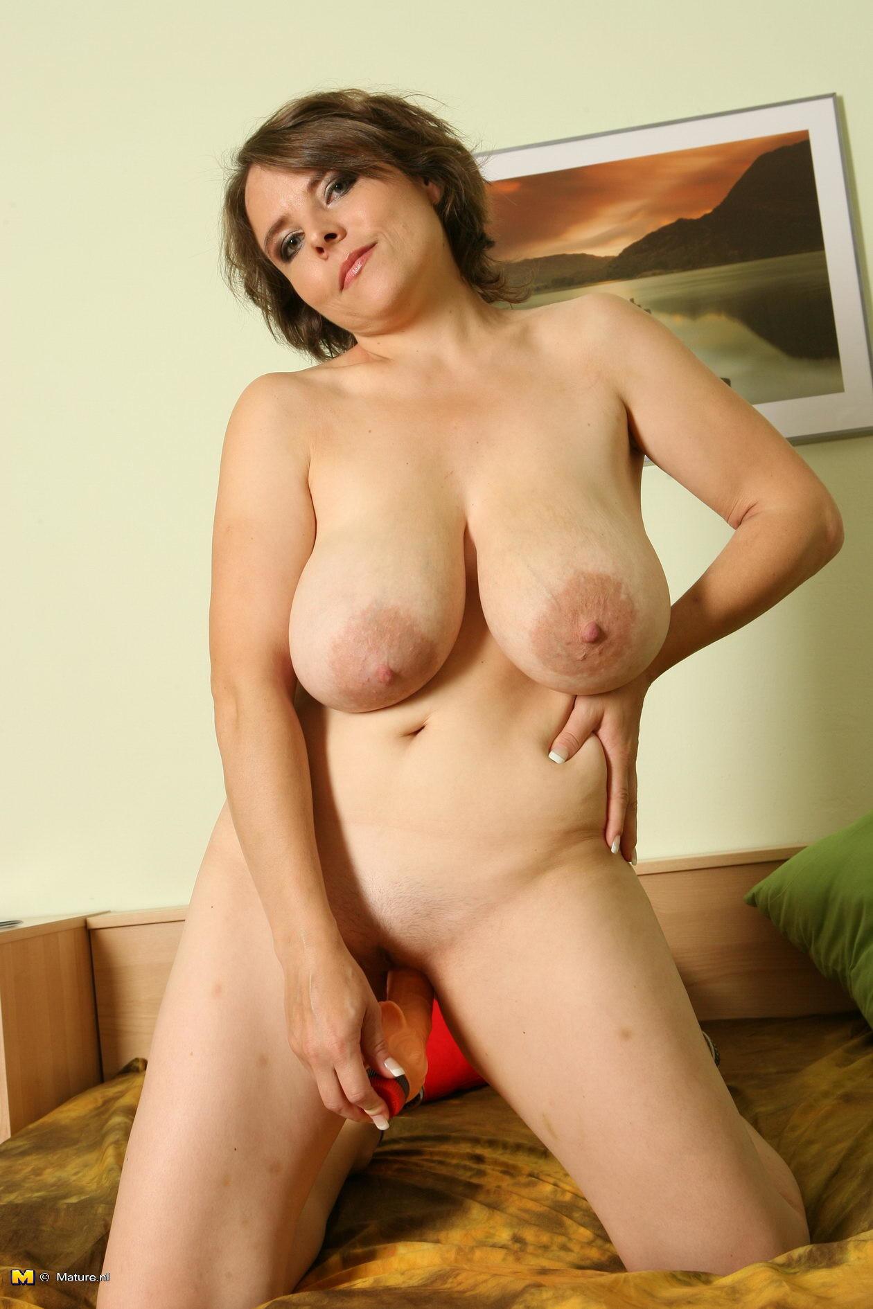 golie-grudastie-teti