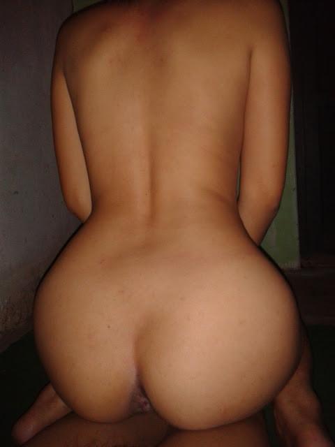 Приватный стриптиз пьяной женщины из Мьянмы