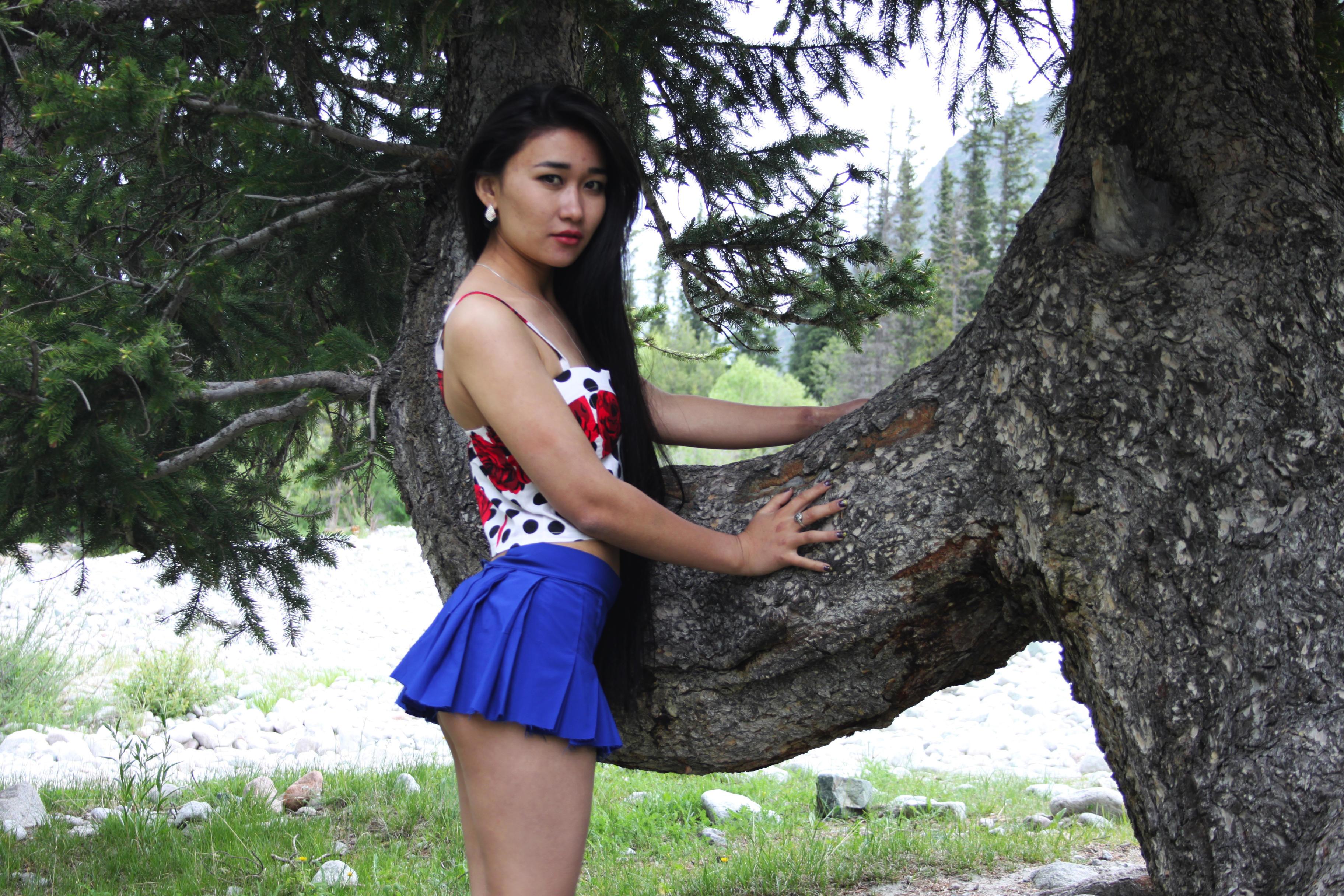 zhenu-vstreche-golie-kirgizki-devushki-foto