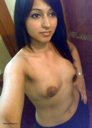 seks-molodih-indianok-na-video-shlyuhi-bolshie-siski-i-bolshie-sisi