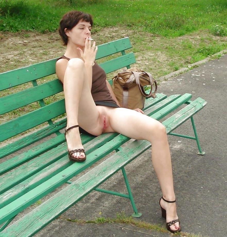 Эротик грудь и юбкой без трусы — img 9