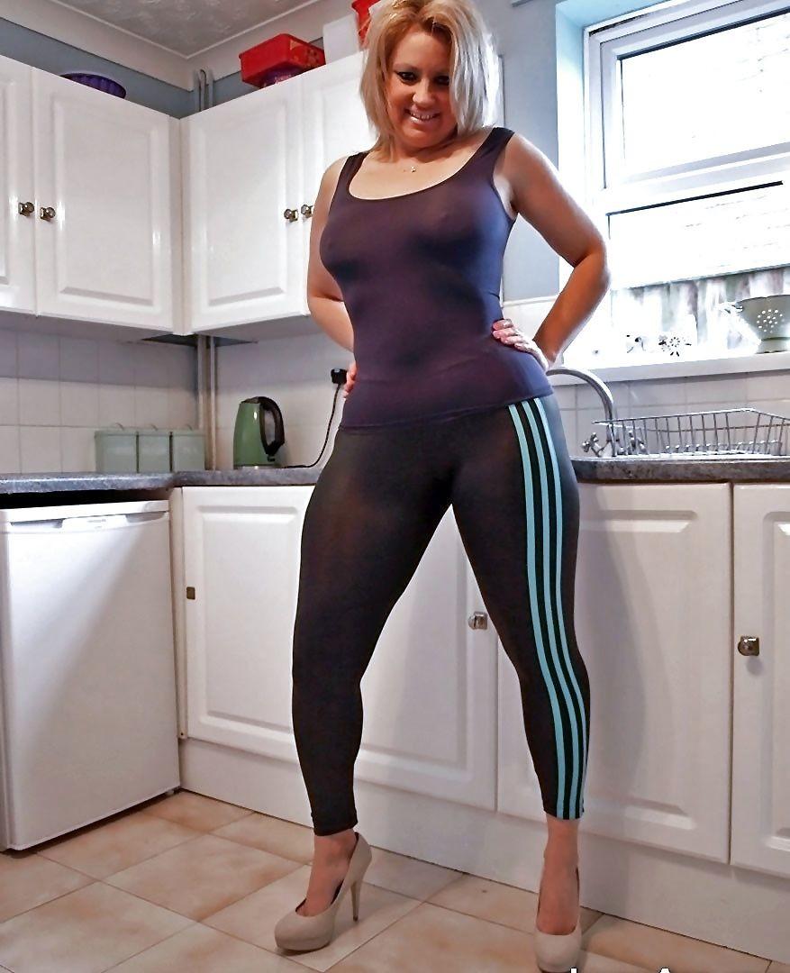 Порно фото в спортивной одежде