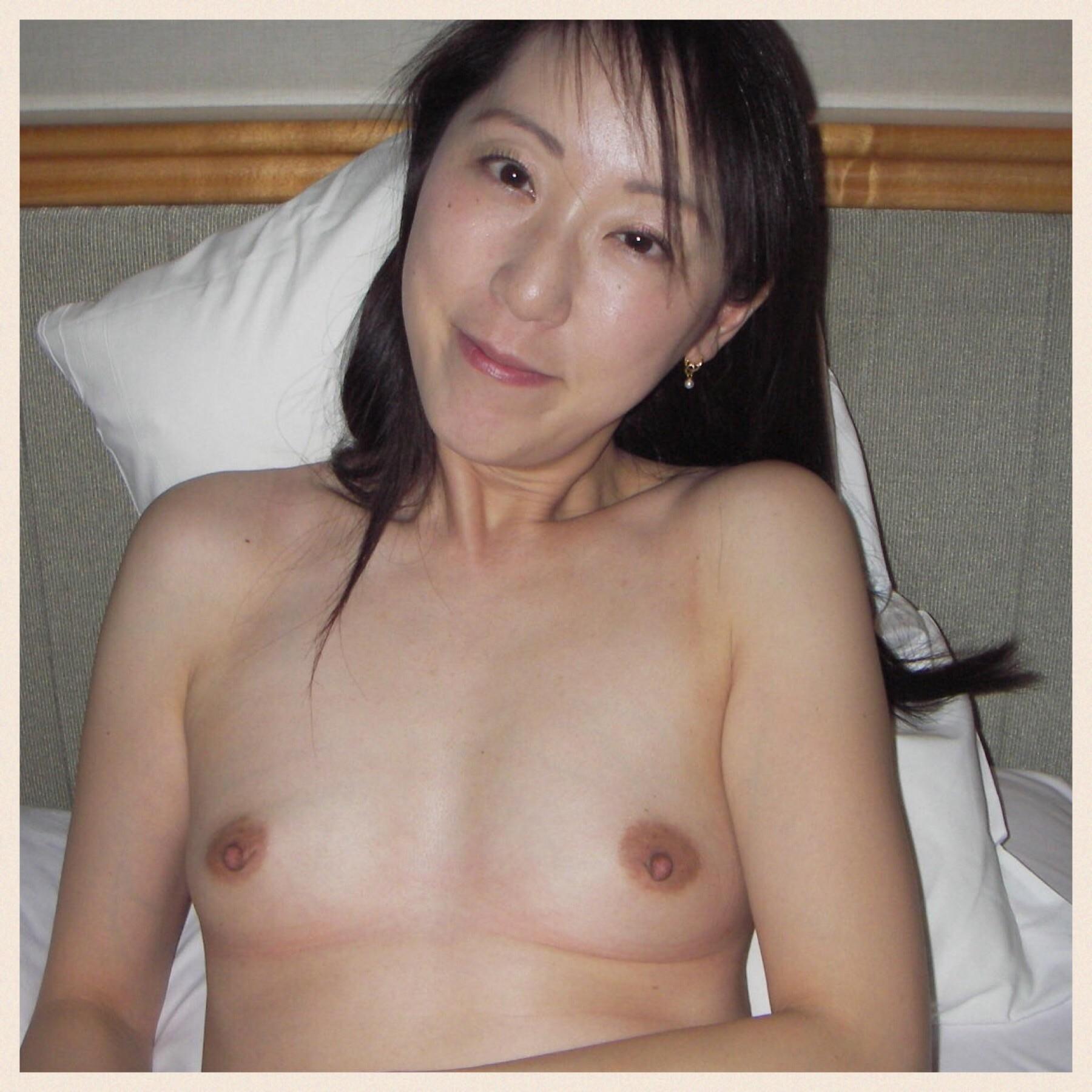 36-летняя японка Кумико сделала фото своей пизды на память