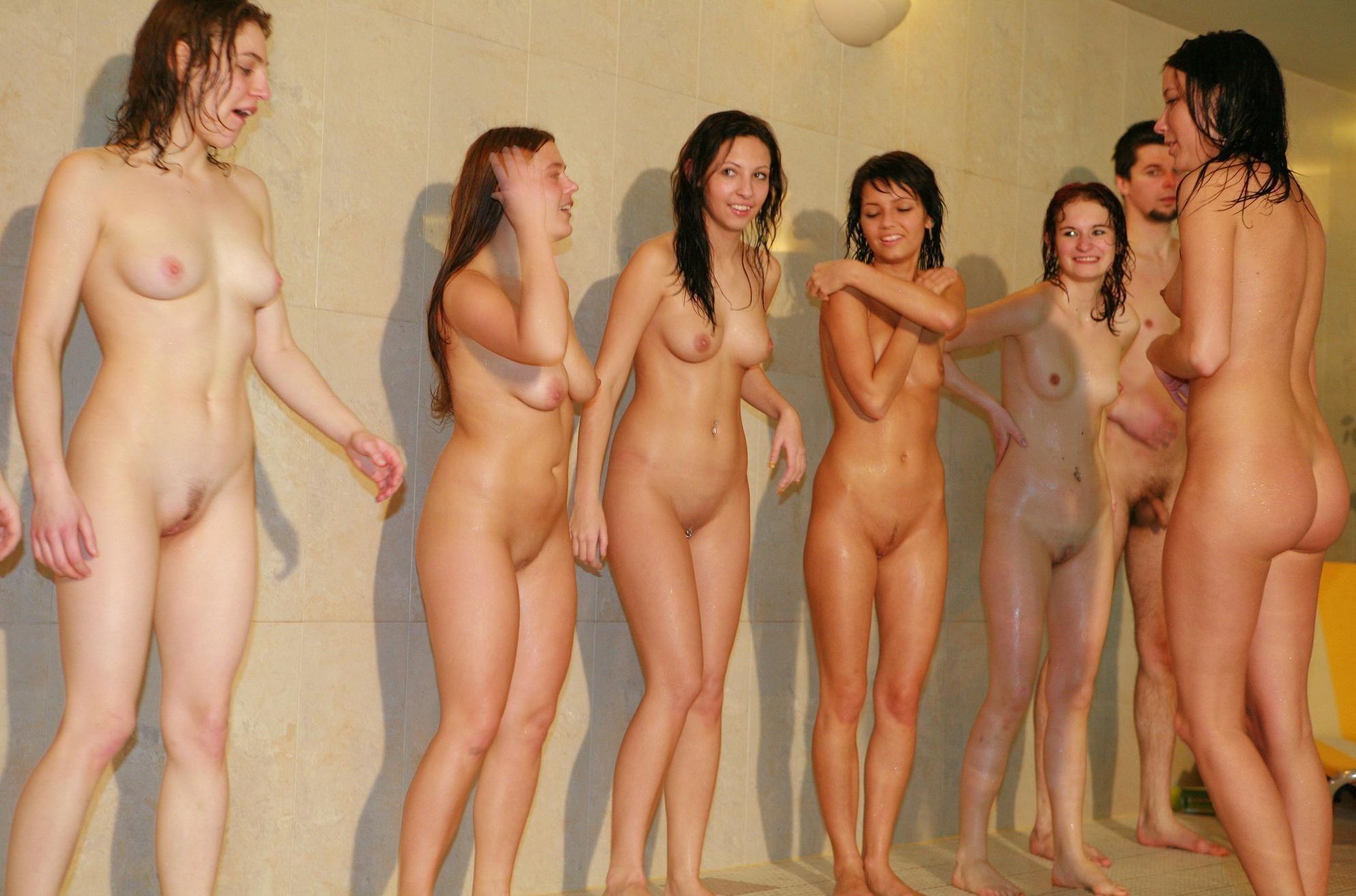 Фото обнаженная молодежь, Молодые голые девушки - фото красивых обнаженных 8 фотография