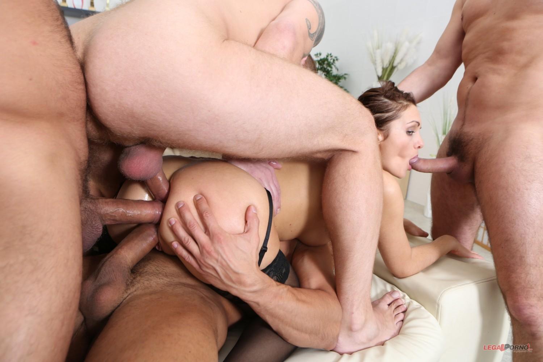 porno-podborki-vtroem