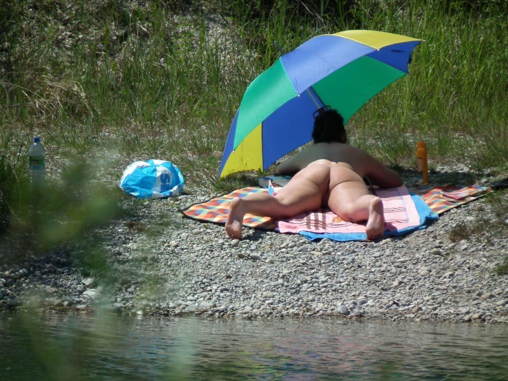 Нудизм на пляже - фото сет 7
