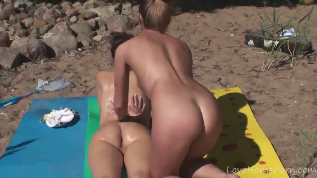 rabstve-porno-fotomodeley-video-horoshem-kachestve-derevenskie-zrelie