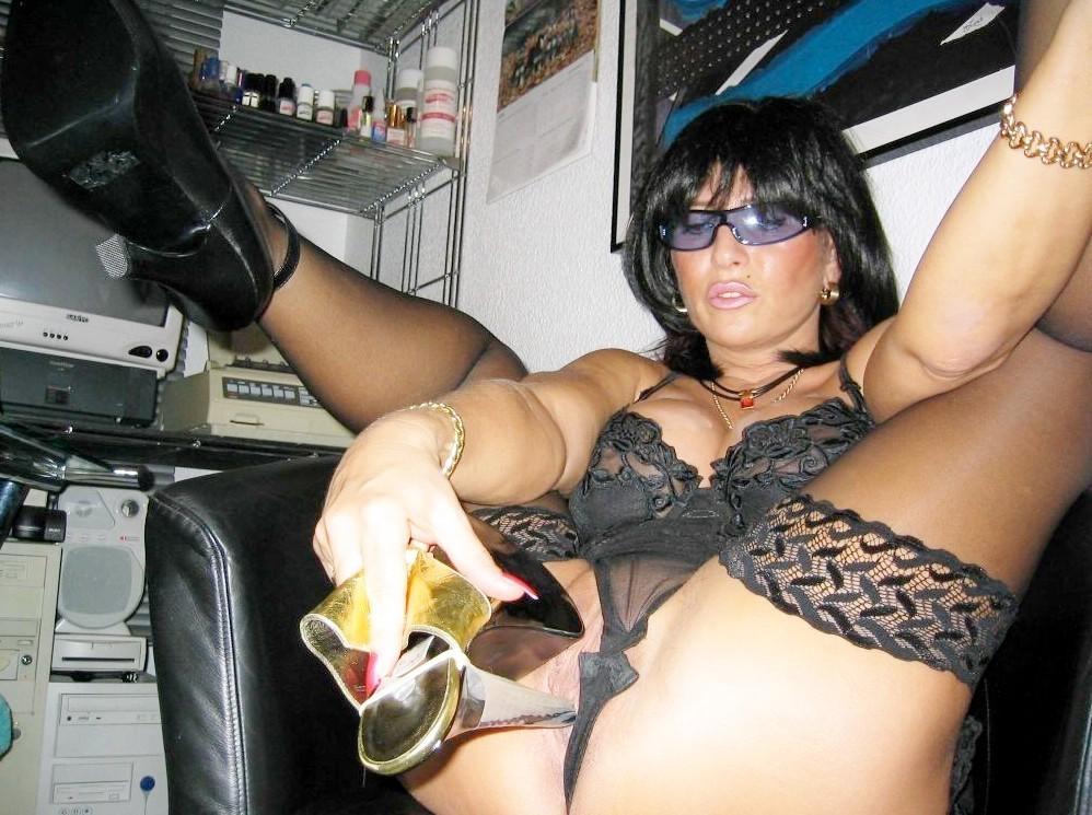 Красивые сексуальные брюнетки - фото компиляция 24