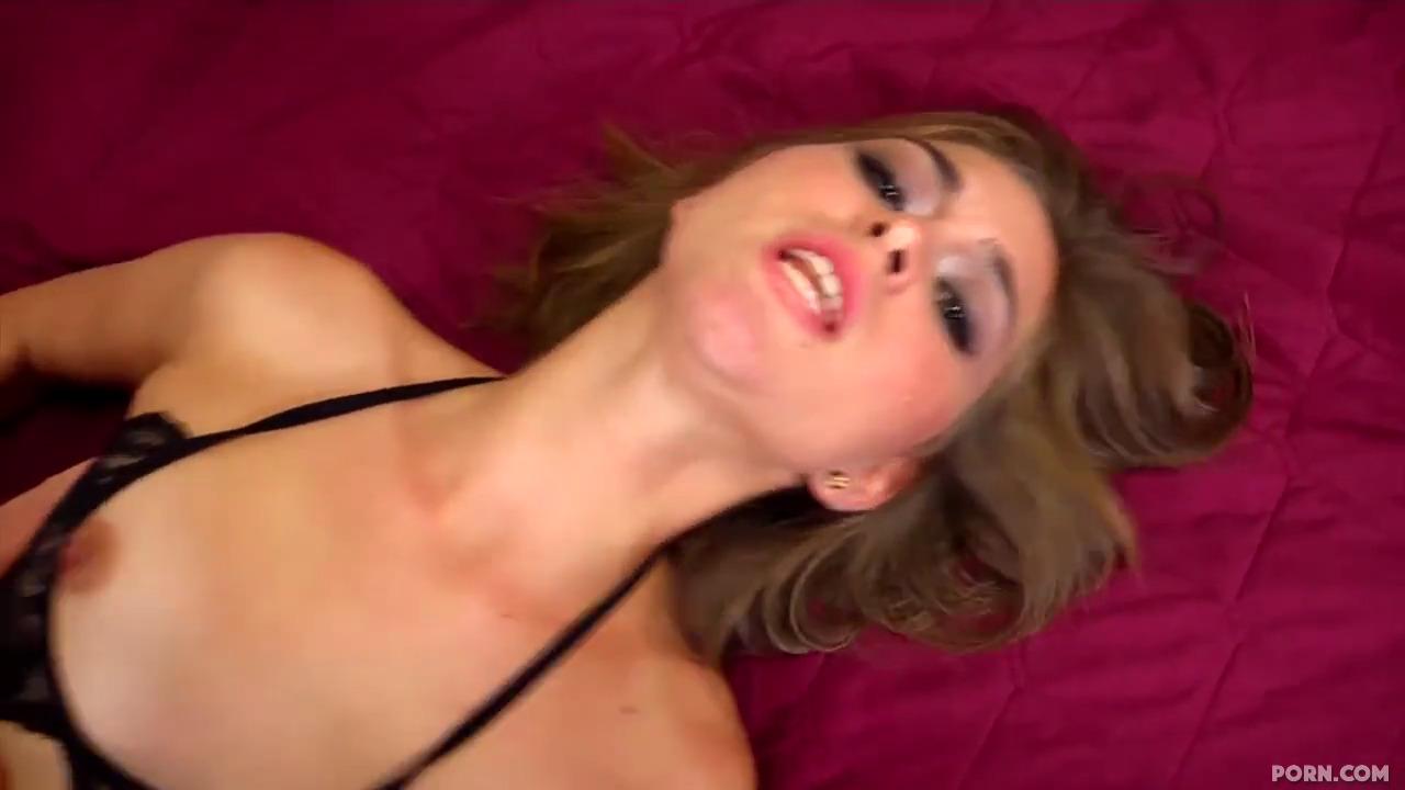 Развели на еблю перед камерой очередную американскую проститутку