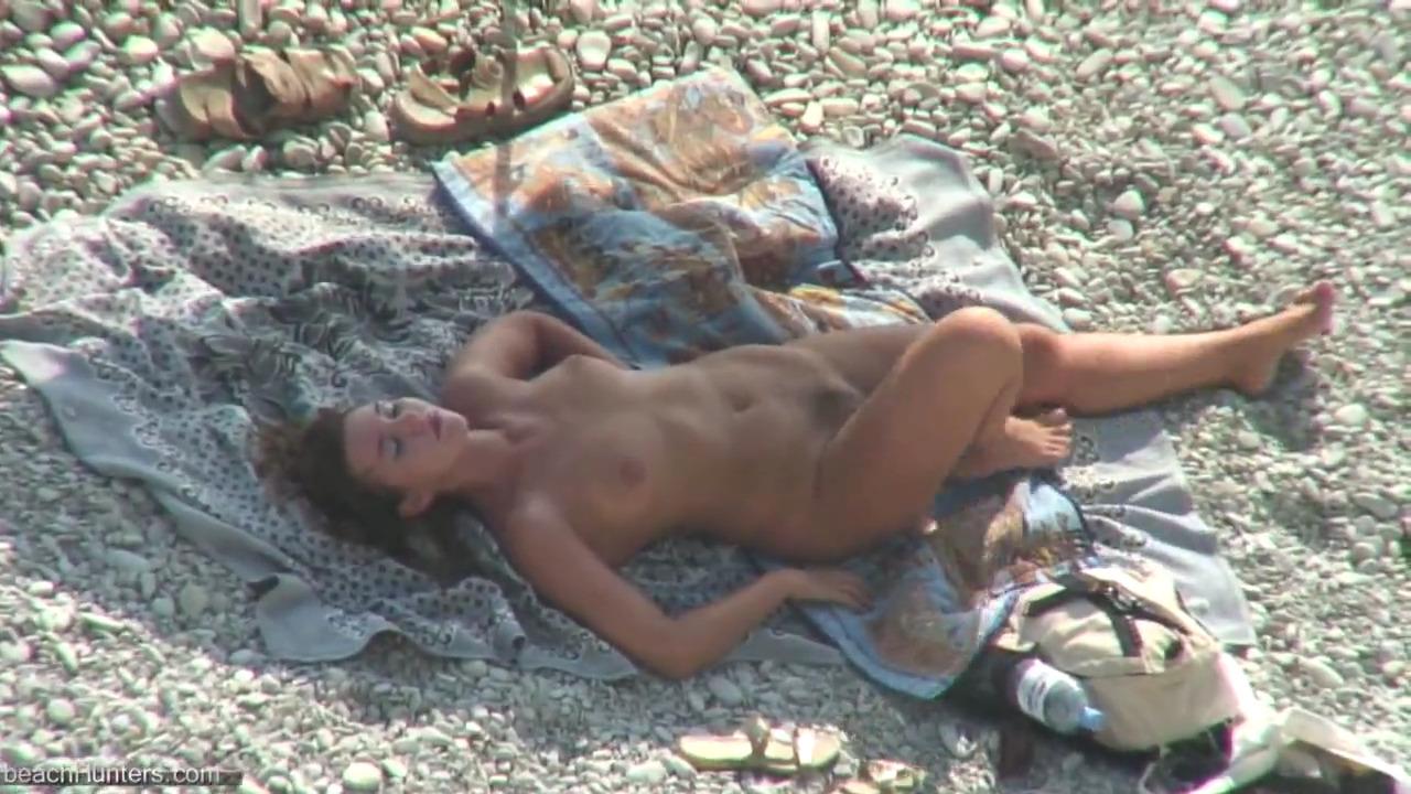 Мужчина выебал на пляже любовницу