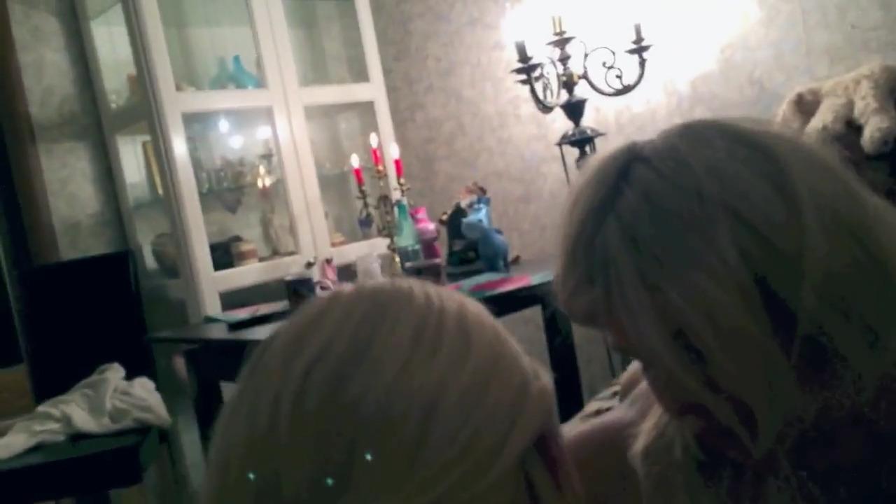 Снял двух блондинок в клубе