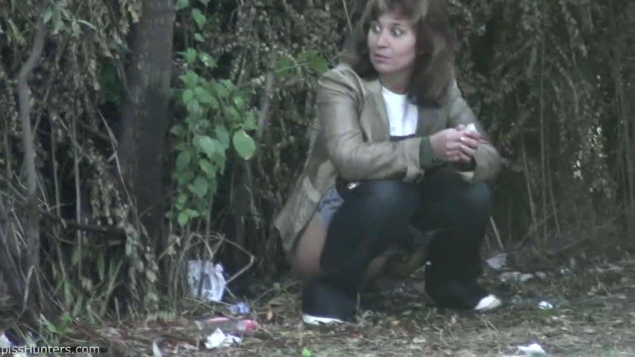 Паренек отимел пяную азиатскую девку в кустах