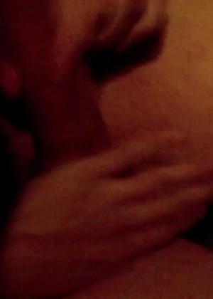 porno-video-smotryat-kak-parni-drochat-porno-kamshoti-silnaya-strastnaya-eblya