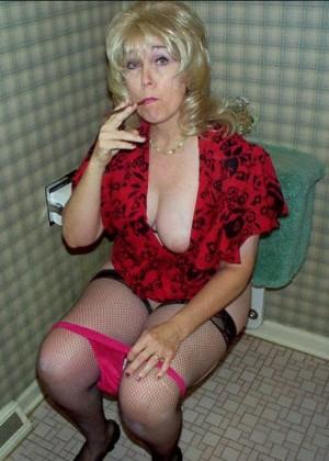 Порно видео в туалете обкончали #12