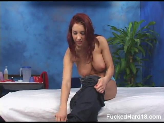 Несомненно она пришла на массаж, зная, что ее выебут